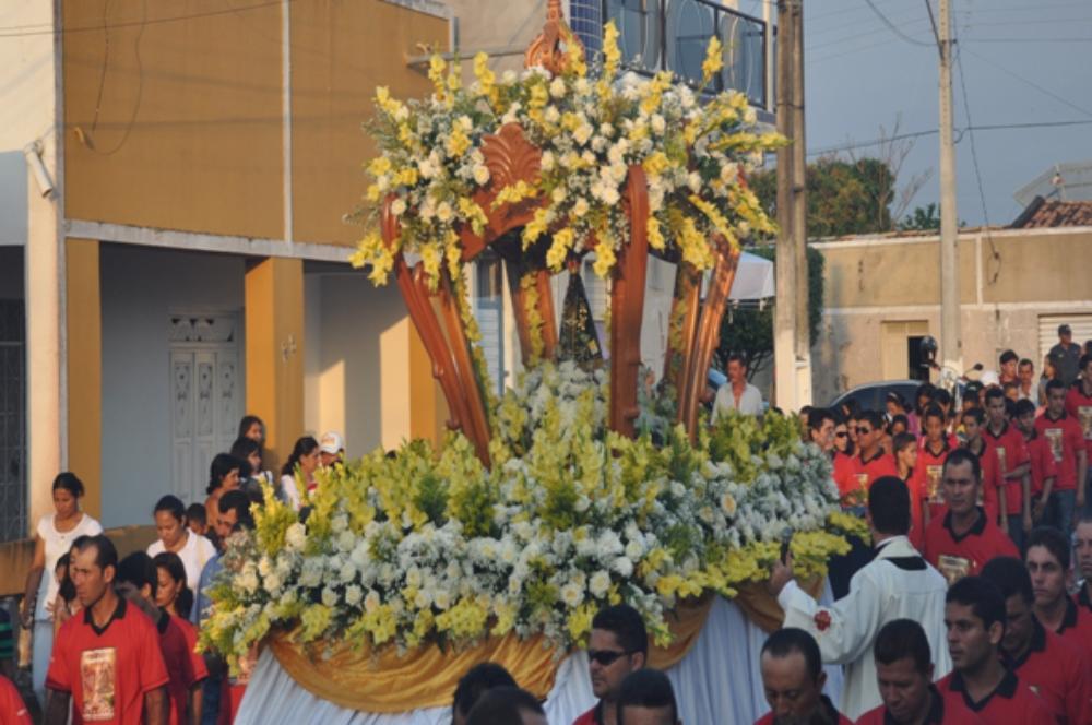 Festa De Nossa Senhora Aparecida: Paróquias Iniciam Festa De Nossa Senhora Aparecida