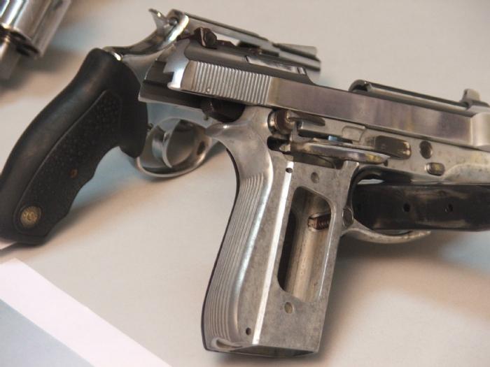 Guardas municipais ter o porte de arma infonet not cias for Uso e porte de arma