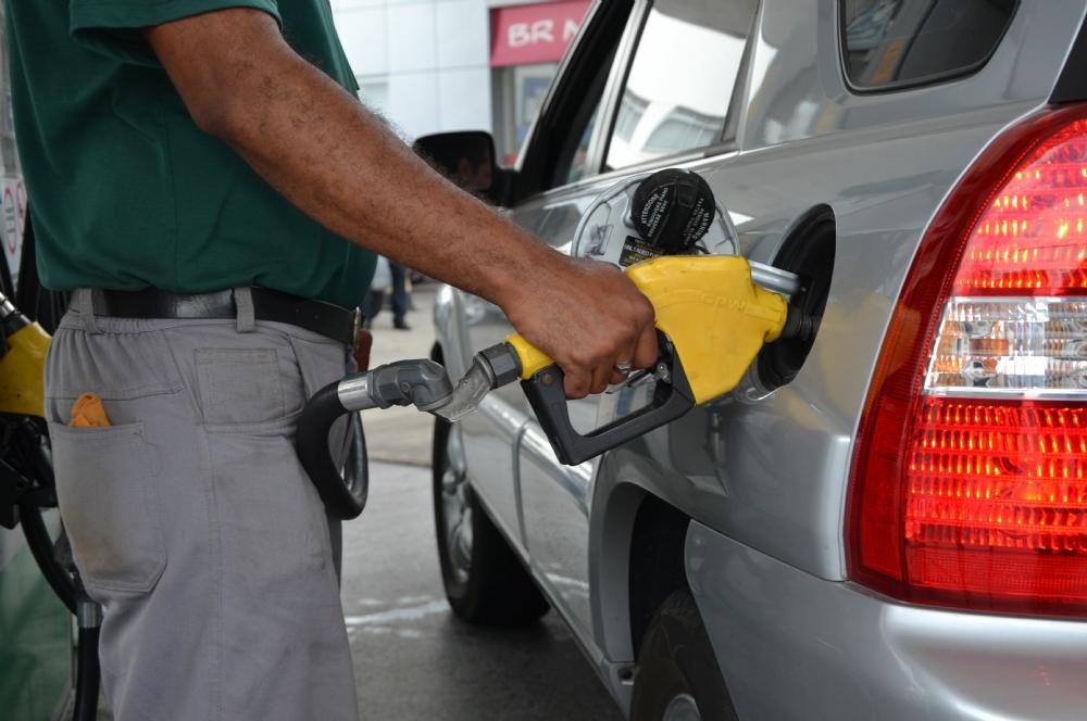 Resultado de imagem para Preço médio da gasolina