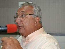 Governador fará fusão de oito secretarias