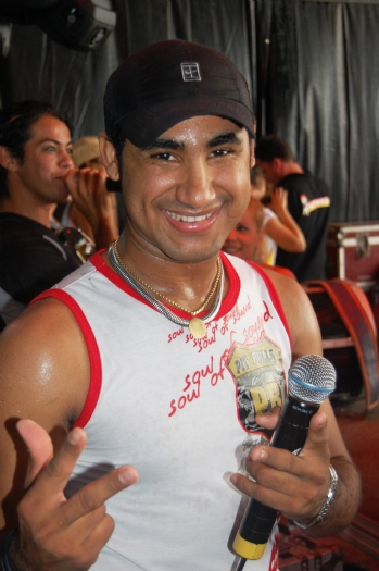 Resultado de imagem para cantor Ray da banda Saia Rodada