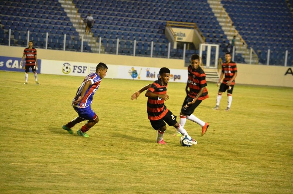 Vitória e Bahia fizeram a final do Nordestão sub-20 em 2017 em Aracaju  (foto  Arquivo Portal Infonet) ea58cfbf9274b