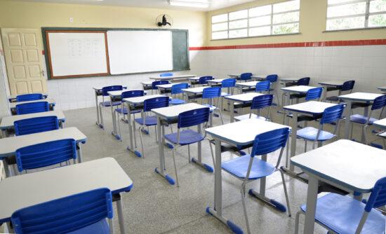 Estudantes do 3º ano da rede particular retomam as aulas presenciais