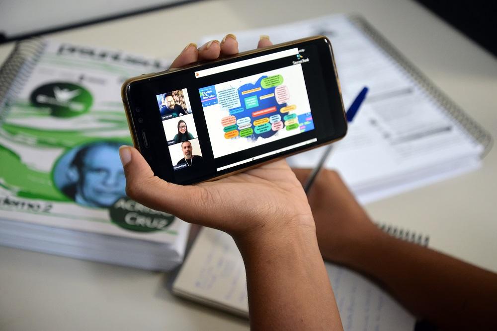 Pré-Universitário realiza mais uma edição do Treinando com Pesos
