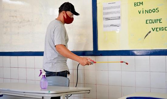SE abre 1.817 vagas para merendeiras, serviços básicos e vigilantes