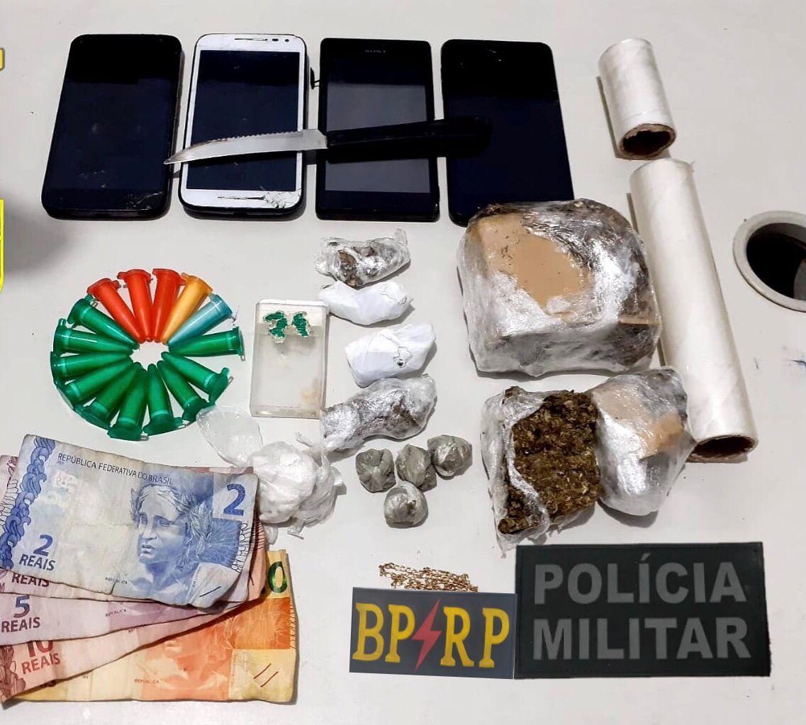Jovem é presa suspeita de tráfico de drogas no bairro Olaria