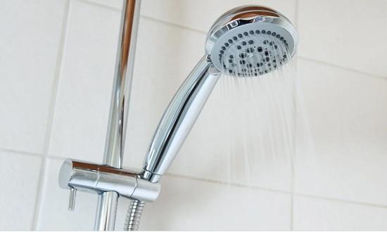 Banho é importante para higiene da pele e controle da covid-19