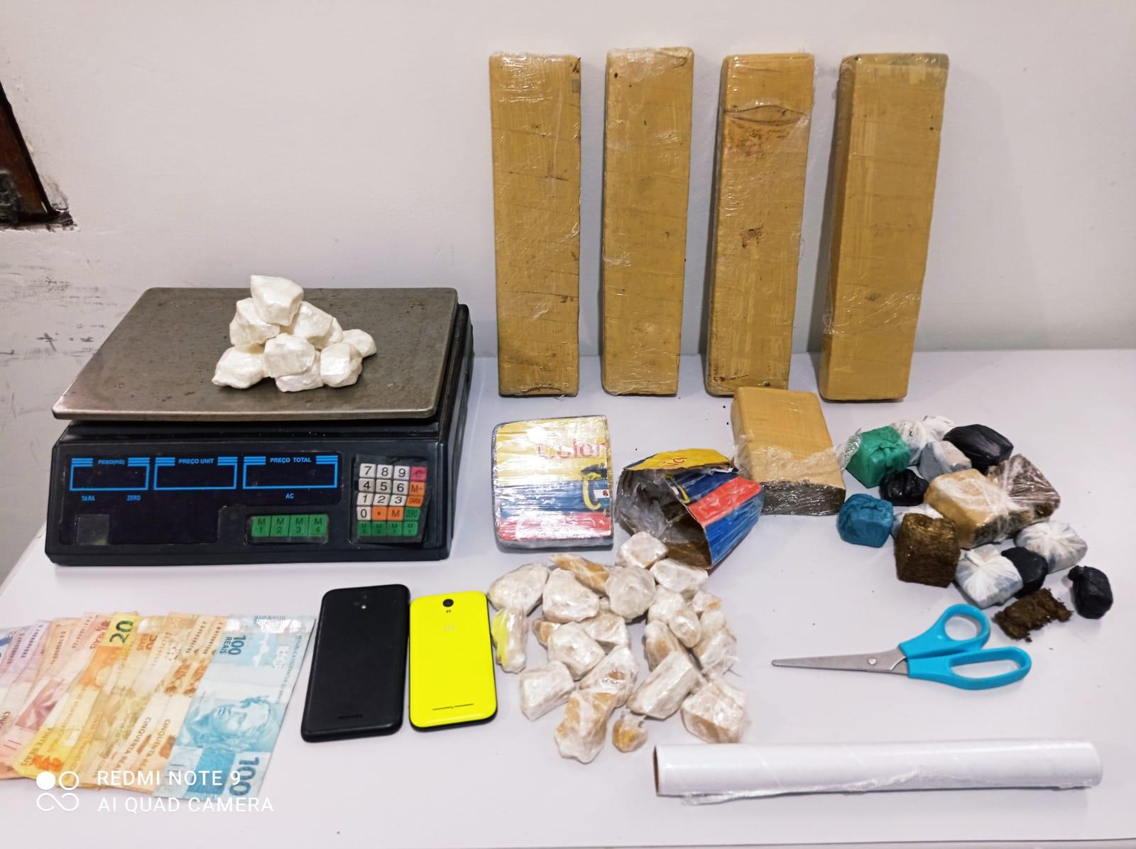 Polícia prende dupla em flagrante por tráfico de drogas em Estância