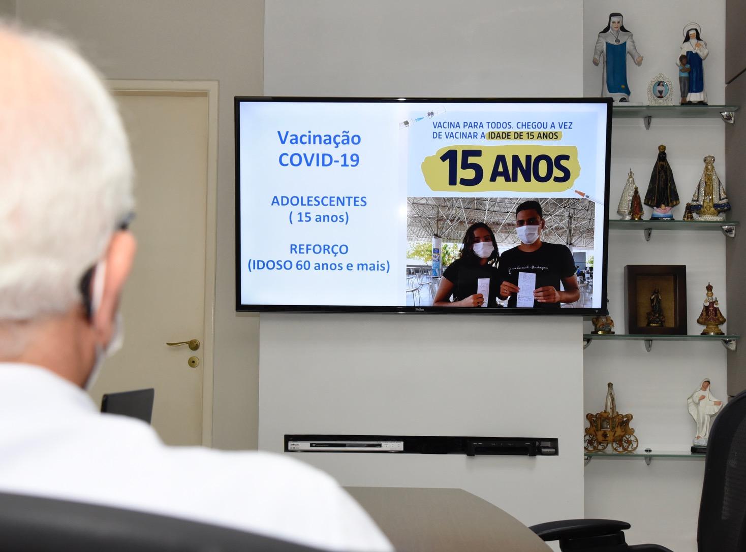 Aracaju amplia vacinação para adolescentes de 15 anos nesta terça
