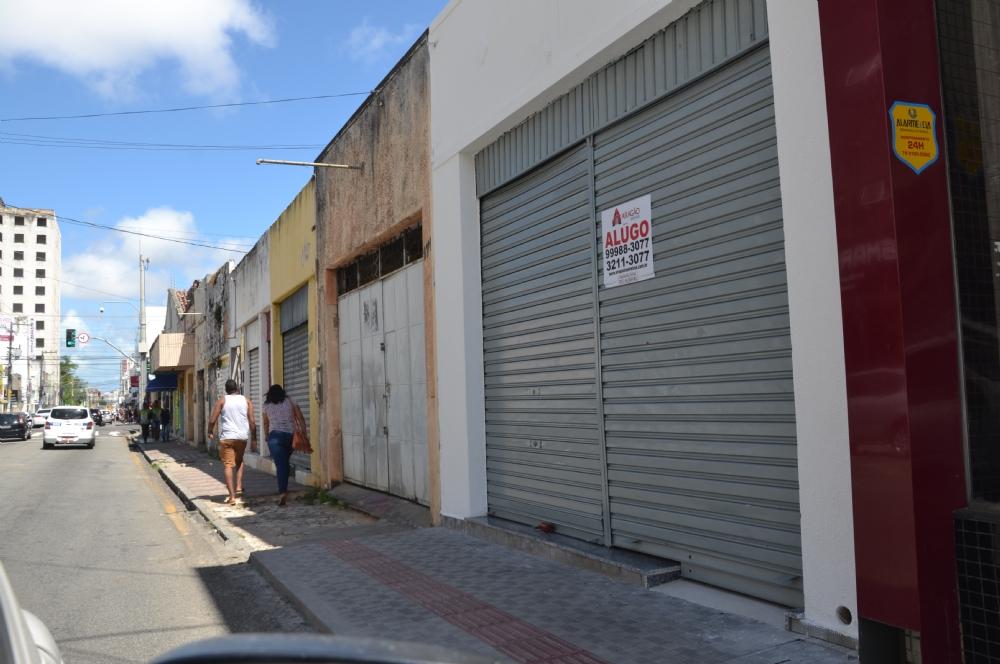 Crise provoca fechamento de lojas em Aracaju – Infonet – O que é ... c053540b7a